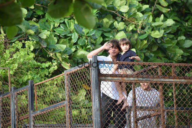 Shahrukh Khan And Abram Khan At Mannat For EID