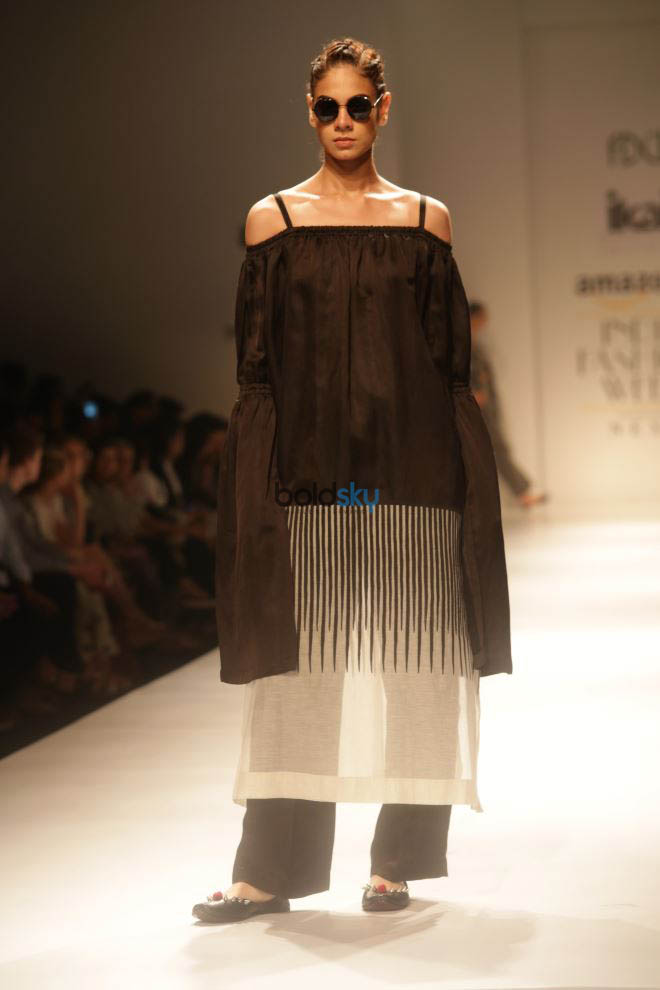 Designer Ikai At Amazon India Fashion Week In New Delhi Photos Pics 331665 Boldsky Gallery
