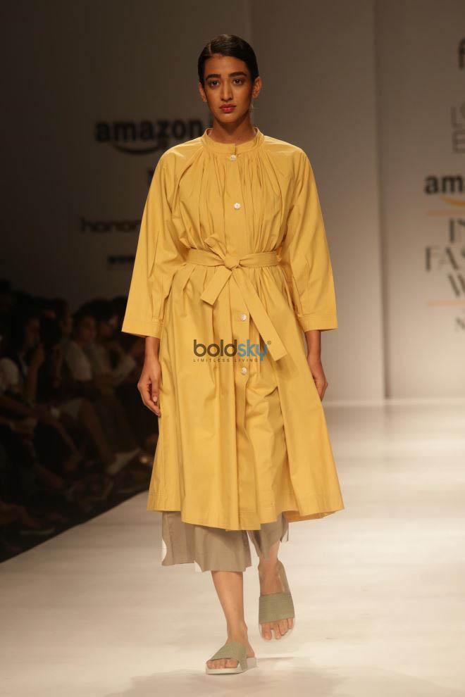 Designer Lovebirds At Amazon India Fashion Week In New Delhi Photos Pics 331676 Boldsky