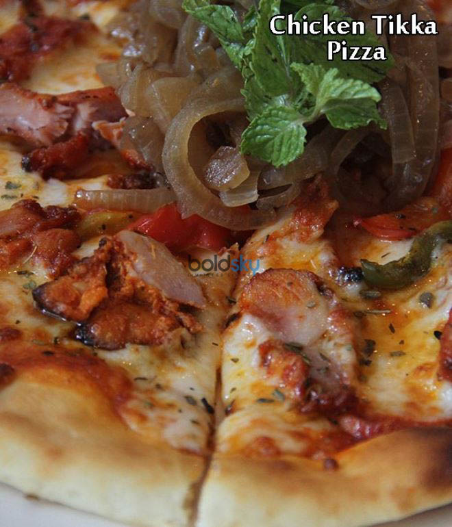 Chicken Tikka Pizza Recipe
