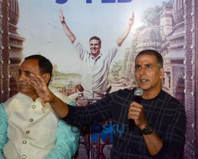 Bollywood Actor Akshay Kumar With Gujarat Chief Minister Vijay Rupani In Ahmedabad