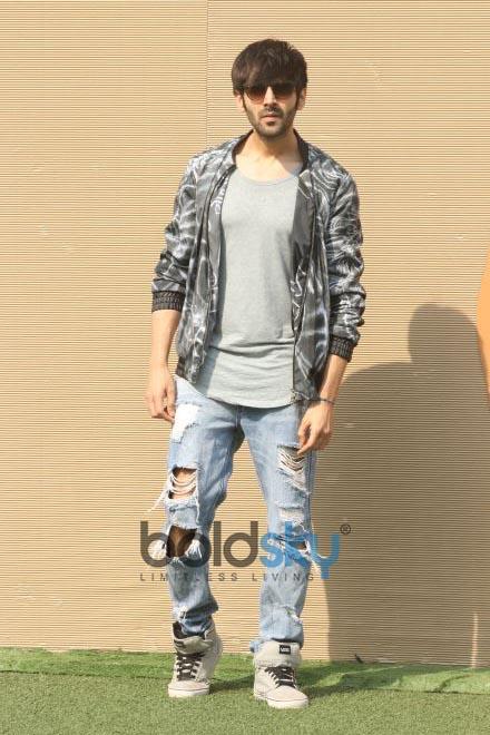 Kartik Aaryan At Lakme Fashion Week 2018
