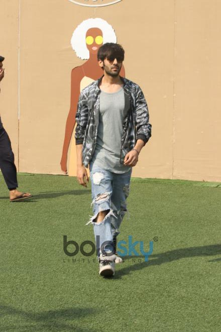 Kartik Aaryan At Lakme Fashion Week 2018