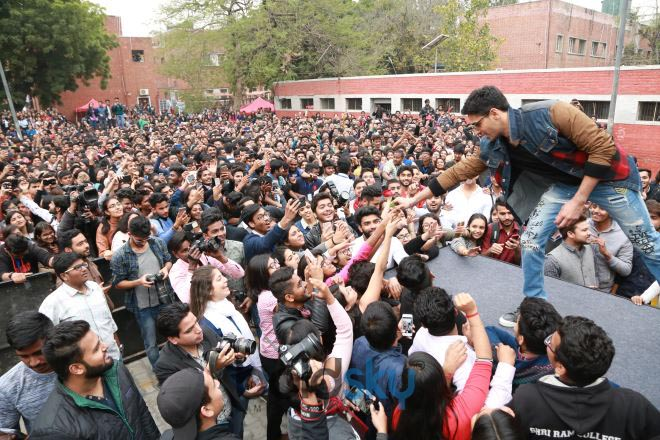 Siddharth Malhotra, Rakul Preet And Manoj Bajpayee At SRCC College DU In New Delhi