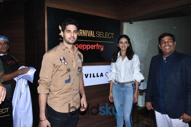 Sidharth Malhotra & Rakul Preet singh Launch Of New Carnival Select Lounge