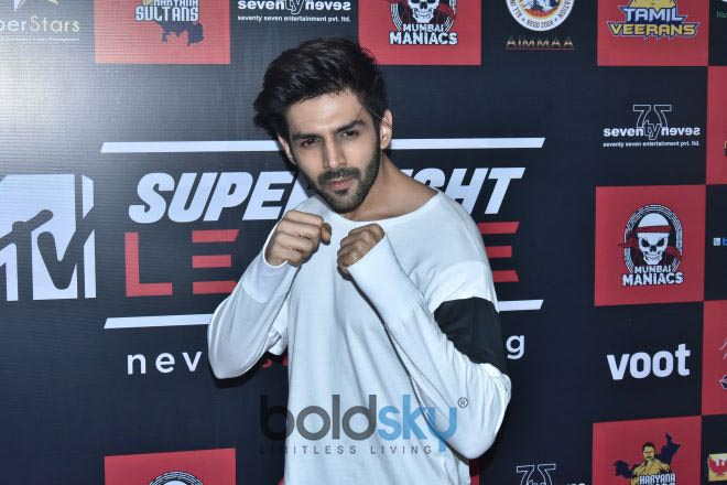 Sonu Ke Tittu Ki Sweety Star Cast Visit Super Fight League