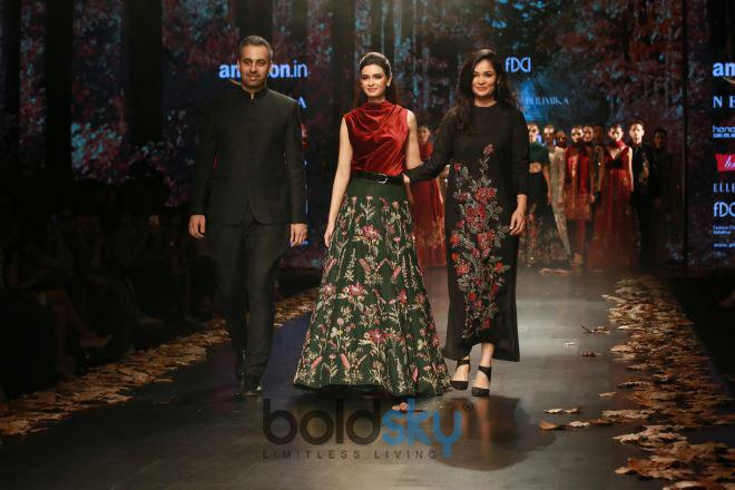 Designer Shyamal And Bhumika Collection,Diana Penty Walked The Ramp At Amazon India Fashion Week